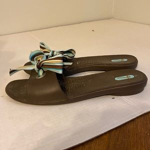 OKA b brown rubber slip on sandals ribbon